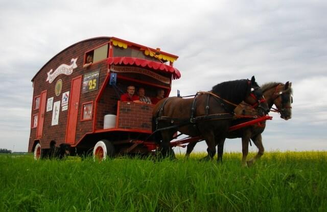 Photo of Lėlių vežimo teatras turės naują vežimą!