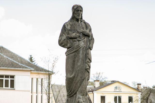 Šv. Jėzaus širdies paminklas Panevėžyje