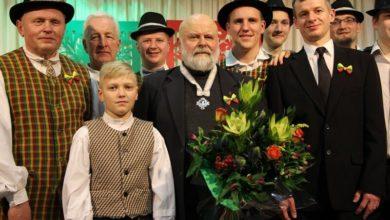 Photo of Įteiktos regalijos naujam Garbės piliečiui