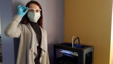 Photo of Biblioteka telkiasi į pagalbą medikams – 3D spausdintuvu gamina apsaugas