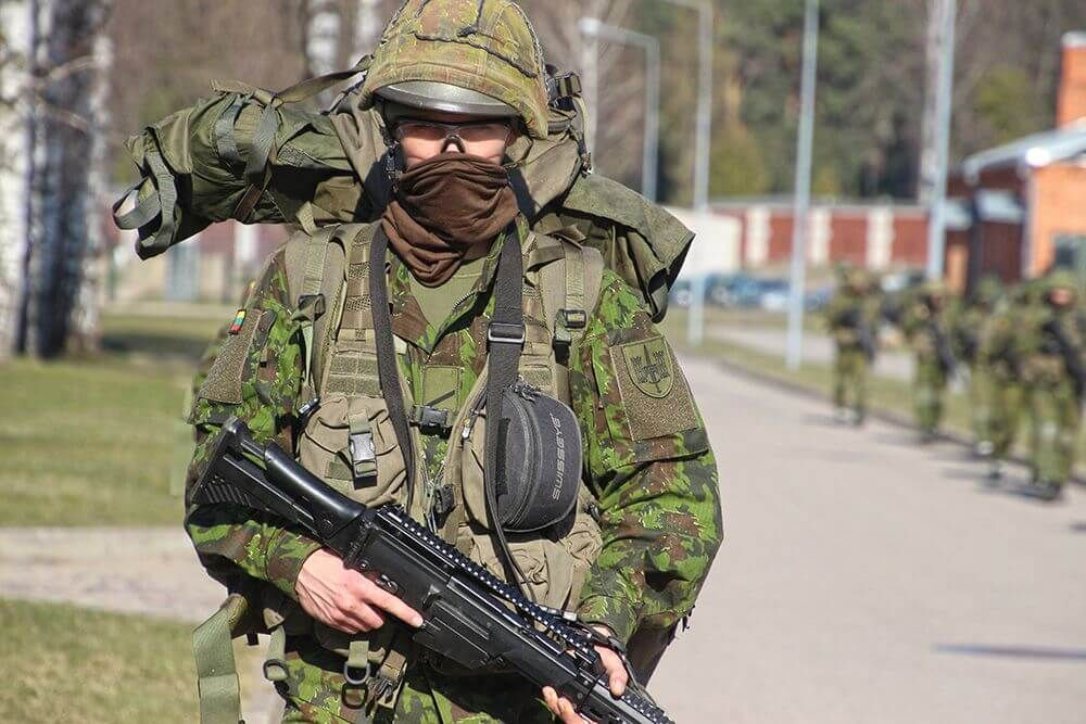 Berlynas ir NATO perspėja JAV dėl pajėgų mažinimo Vokietijoje - LRT